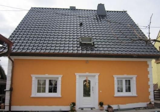 Stuckfassade mit Außenstuck und Gesimsen